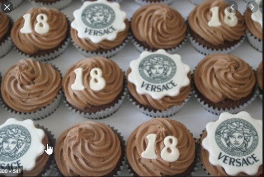 Versace Makeup Theme Cupcakes - Pack of 6